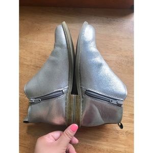 GAP Shoes - GAP | Girls Silver Chelsea Boot